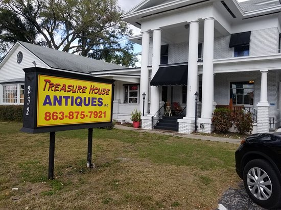‪Treasure House Antiques & Collectibles LLC‬