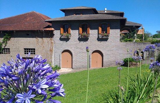 Casa Postal Vinicola & Bistro