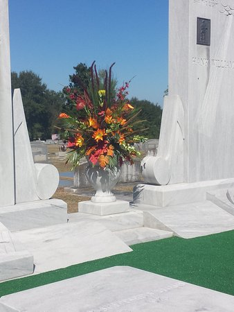 Hank Williams Memorial - Oakwood Annex Cemetery: Sept 2015. Hank Williams 92nd bday