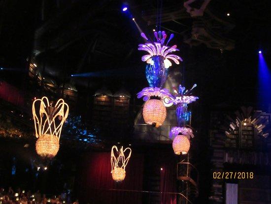 cirque du soleil joya ceiling decorations prior to start of show