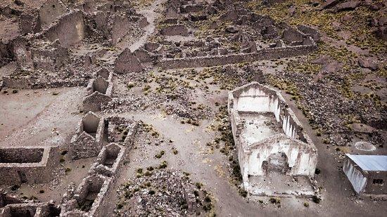"""San Pablo de Lipez, Bolivia: Il villaggio, oggi completamente abbandonato, è una delle """"ghost town"""" più alte del mondo"""