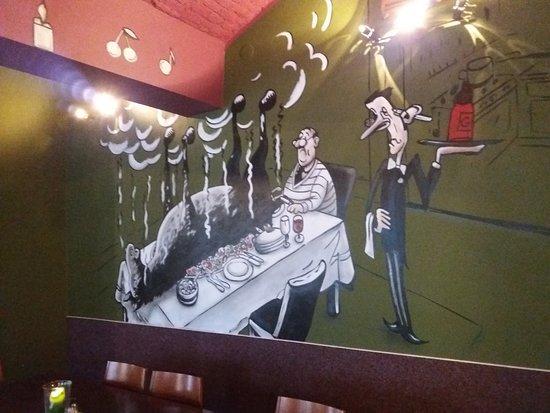 Rokytnice nad Jizerou, Czech Republic: O historię powstania tych malunków warto zapytać właścicielkę - nas urzekła :D