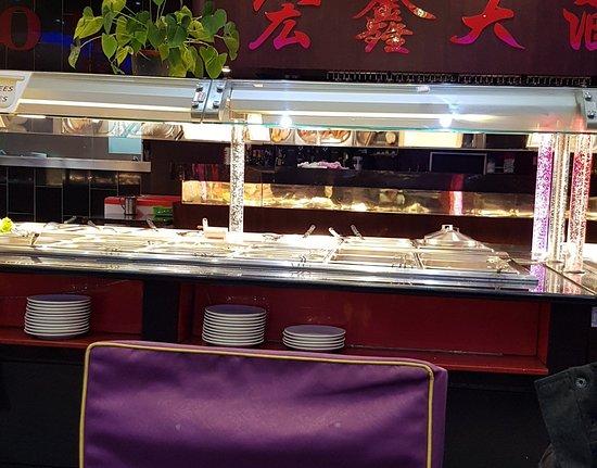 Très bon restaurant avec buffet à volonté. Personnel très aimable et excellents produits.