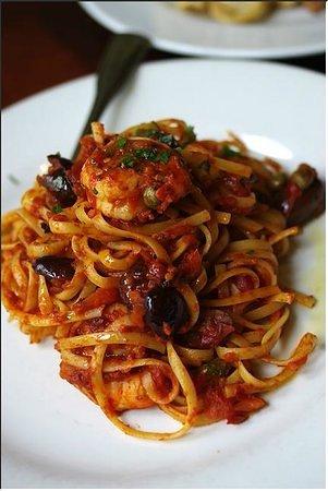 Zefferelli's: Linguini Putenesca, prawns, capers, black olives and a spicy tomato sauce