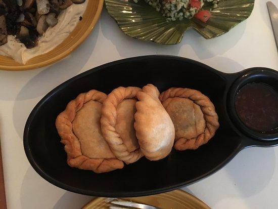 Emanuel's Bakery & Diner: empanadas