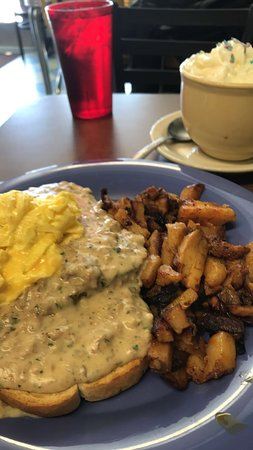 Waterford, CT: Chicken Gravy and Texas Toast