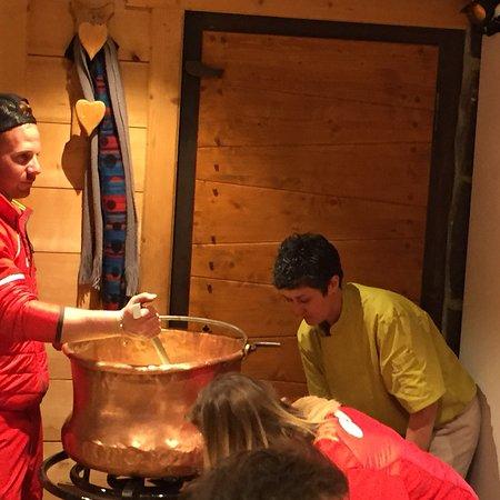 Saint Jean d'Aulps, Francia: La soirée fondue ☃️