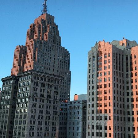 Crowne Plaza Detroit Downtown Riverfront: Vue du 20e étage côté ville