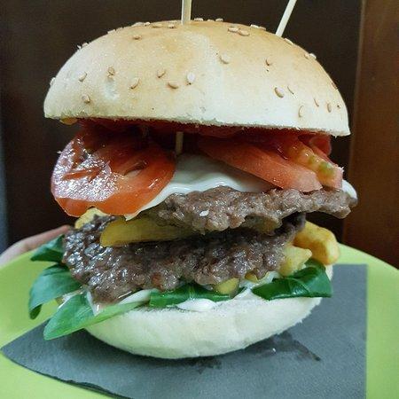 Peligro Hamburgeria