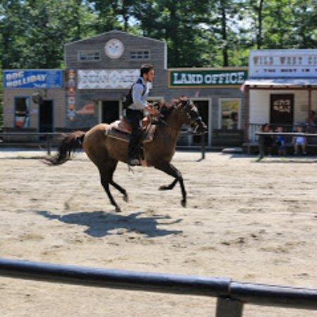 Stanhope, NJ: Cowboys and horses!