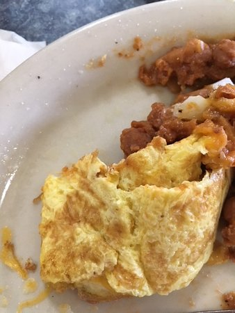 Moreno Valley, Californie : This shows how overcooked the omelet was. You're lucky you can't taste it!