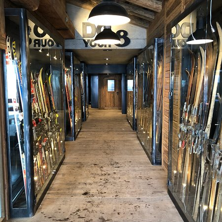 Ski gallery fondue factory val d 39 isere restaurant reviews phone number photos tripadvisor - Fondue factory val d isere ...