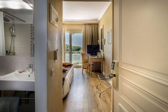 Fenix Hotel: Guest room