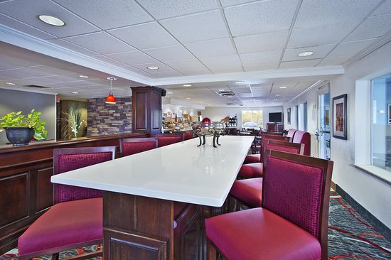 Holiday Inn Express & Suites Columbus Southeast: Restaurant