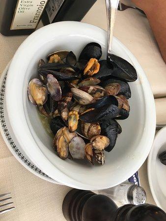 Trattoria Da Luigi: Mussels Yum!