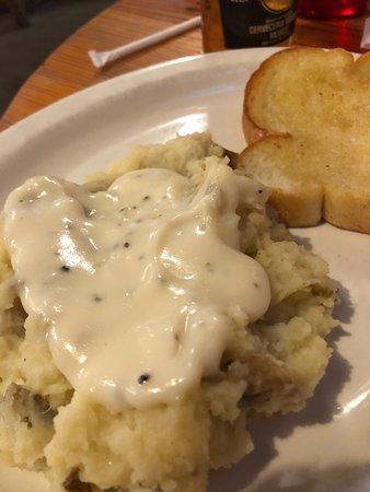 Kingdom City, MO: Mash potatoes and garlic toast