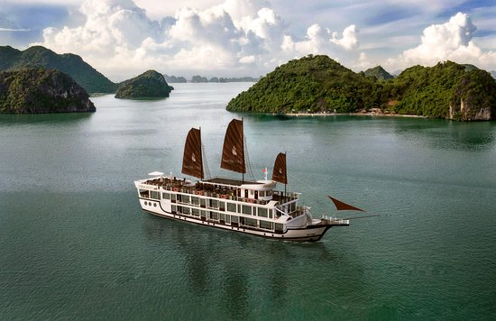 ไฮฟอง, เวียดนาม: Perla Dawn Sails - Luxury Cruises on Lan Ha Bay