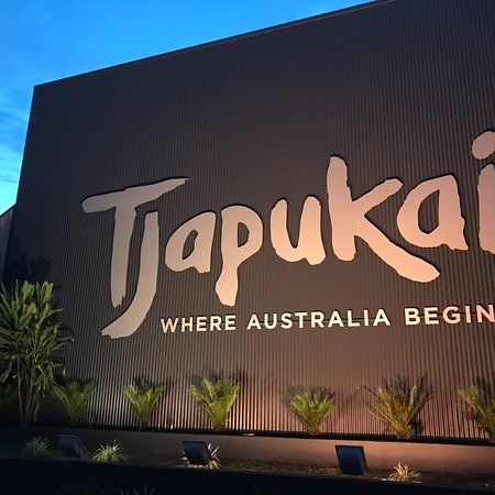 Tjapukai Aboriginal Cultural Park: photo0.jpg