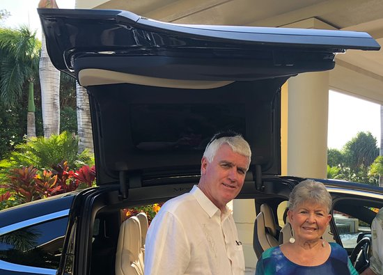 Wailea Beach Villas: TESLA taxi always provided with a smile and kindness!
