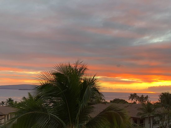 Wailea Beach Villas: Incredible sunsets from our deck!