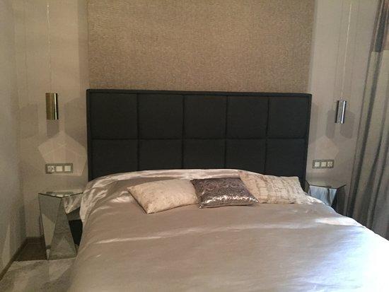 Leda Apartments: Спальня