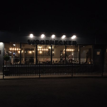 Woodpecker Bar and Restaurant