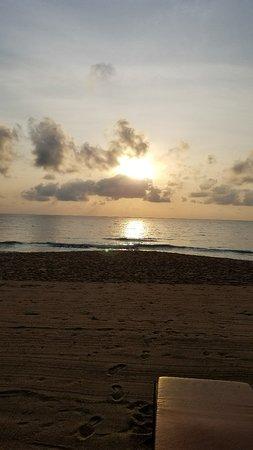 Chaweng Noi Beach: 20180302_070455_large.jpg