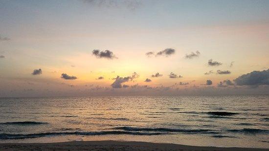 Chaweng Noi Beach: 20180302_062121_large.jpg