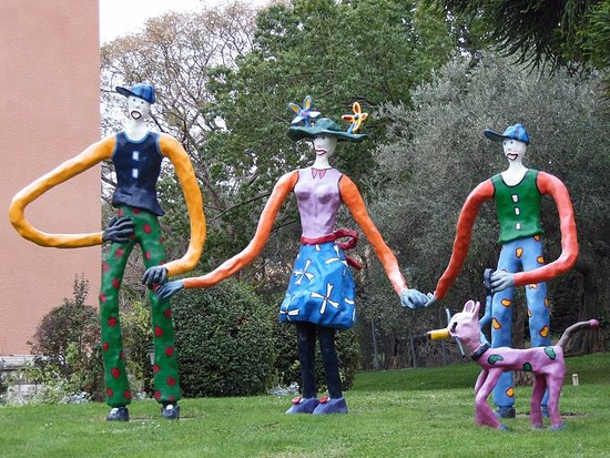 Musee International d'Art Naif Anatole-Jakovsky (Museum of Naive Art): trio