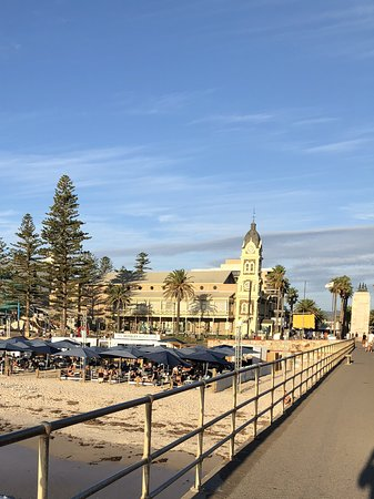 Glenelg, Australia: Beach club by the beach.