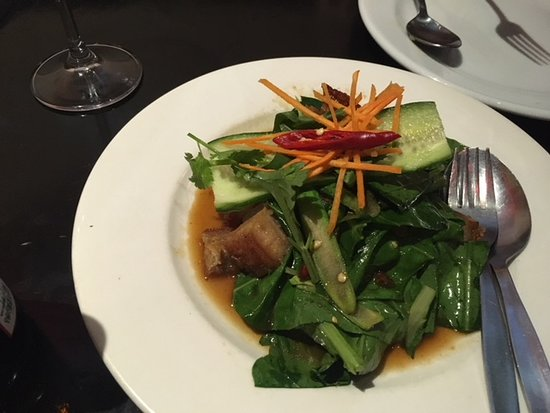 crispy pork stir fry - Picture of Eat Thai, Sydney - TripAdvisor