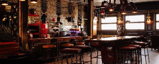 Dixi Cafe & Bar