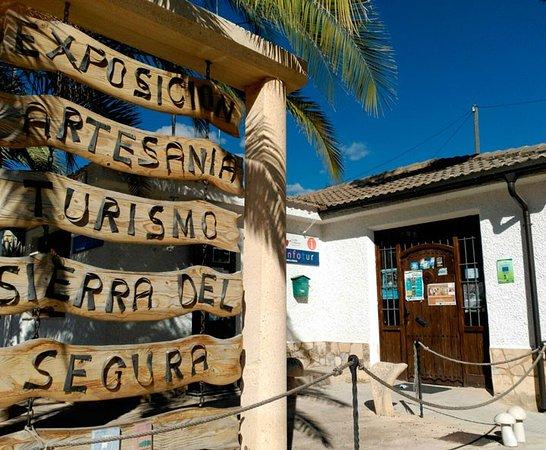 Elche de la Sierra, Ισπανία: Oficina de información turística local y comarcal,visita imprescindible si quieres saber que vis