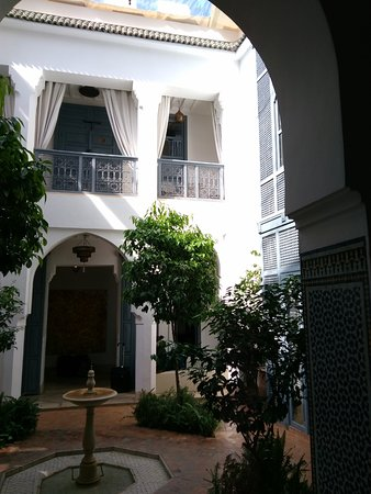 Riad Adore: patio