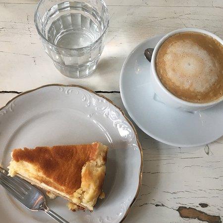 Valokuva: Cafe Antique