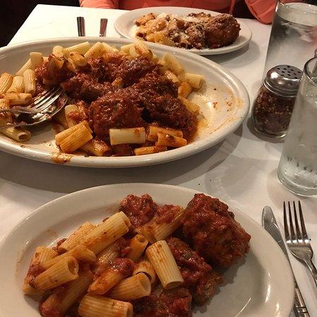 Carmine's Italian Restaurant - Upper West Side : photo0.jpg