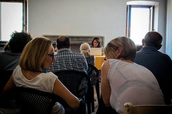 Vallecupola, إيطاليا: Palazzo Iacobuzzi (Vallecupola): convegno sui popoli sabini 