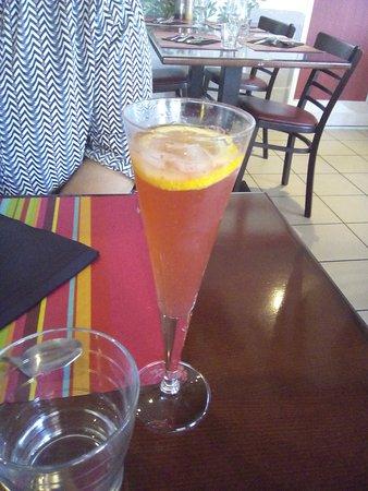 Castelculier, Francia: Cocktail de l'âtre - 4€