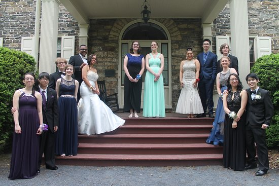 Fort Hunter Mansion and Park: My daughter and her friends before their senior prom