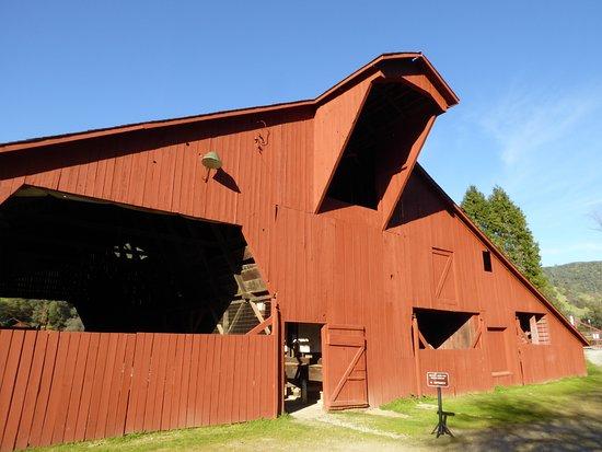 Penn Valley, CA: The Wagon Barn.