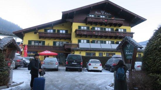 Hotel Garni Pension Hubertus: hotel entrance