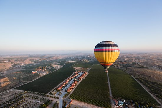Temecula, CA: A morning flight