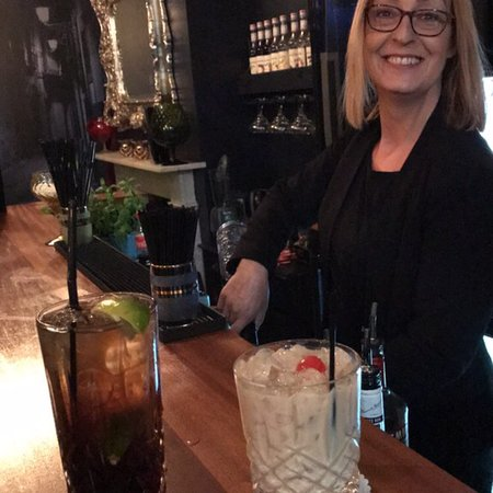 No5 Cocktail & Wine Bar