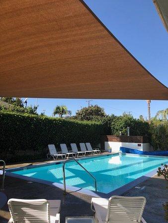 Mason Beach Inn: Área da piscina