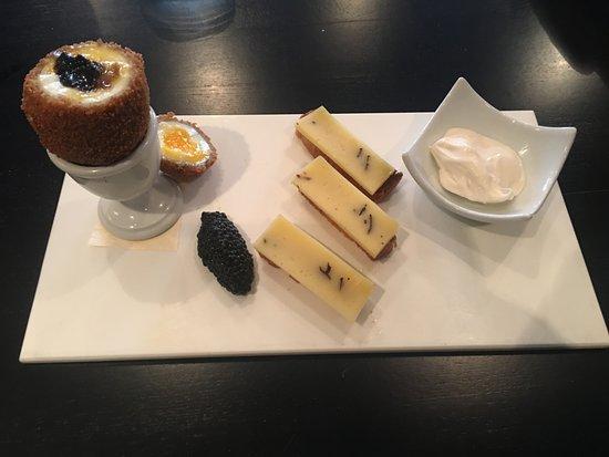 Le Spinnaker : Oeuf fermier truffé caviar d'hareng...