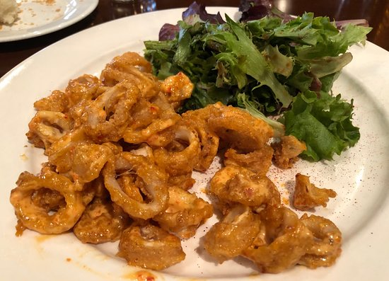 Avon, IN: Crispy Calamari with Red Chili Aioli
