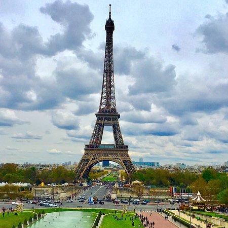 Paris gezilmesi guzel bir yer zaten burada yorum yapmama gerek yok herkes biliyor zaten