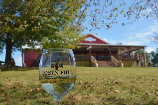 Robin Hill Farm & Vineyards