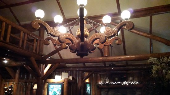 Twin Peaks, CA: The chandelier...