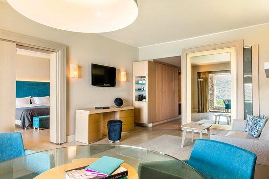 Daios Cove Luxury Resort & Villas: Premium sea view suite